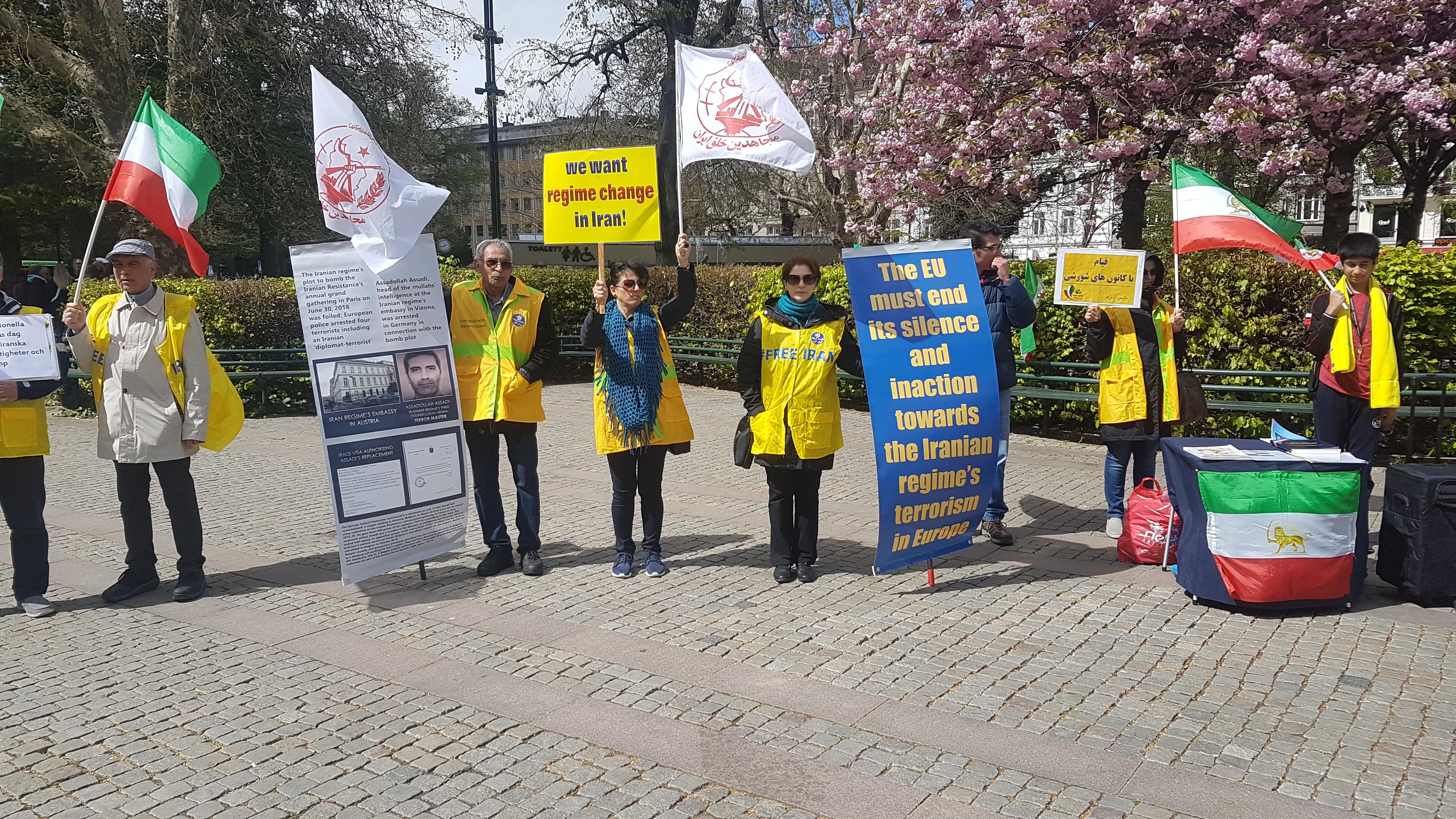 Stödaktion i Malmö för folkliga protester i Iran, den fjärde maj.