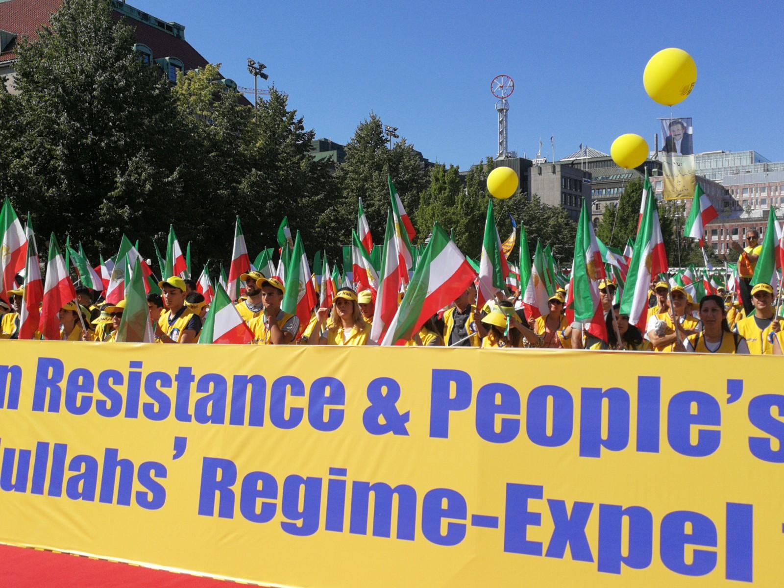 Demonstration i Stockholm för ett fritt och demokratiskt Iran