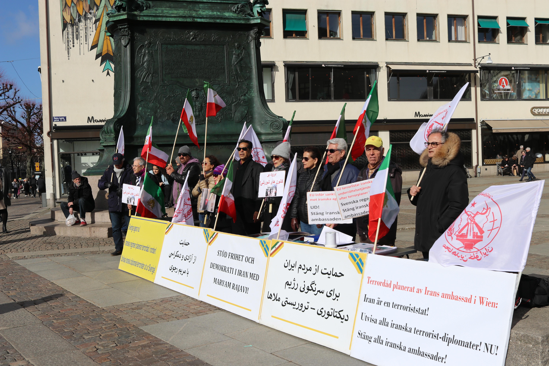 Stödaktion i Göteborg för folkliga protester i Iran, den 23 mars.