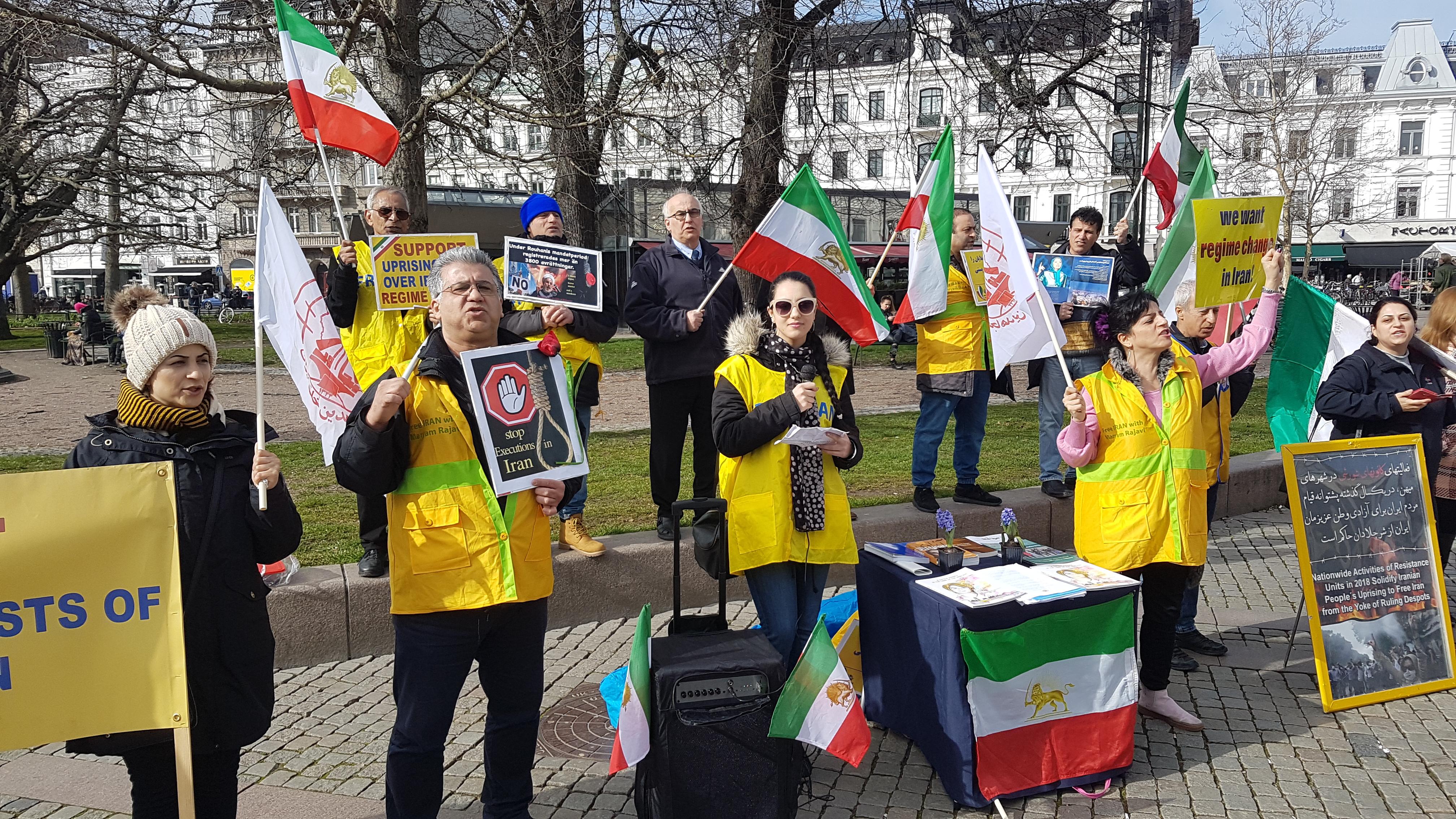 Stödaktion i Malmö för folkliga protester i Iran, den 23 mars.