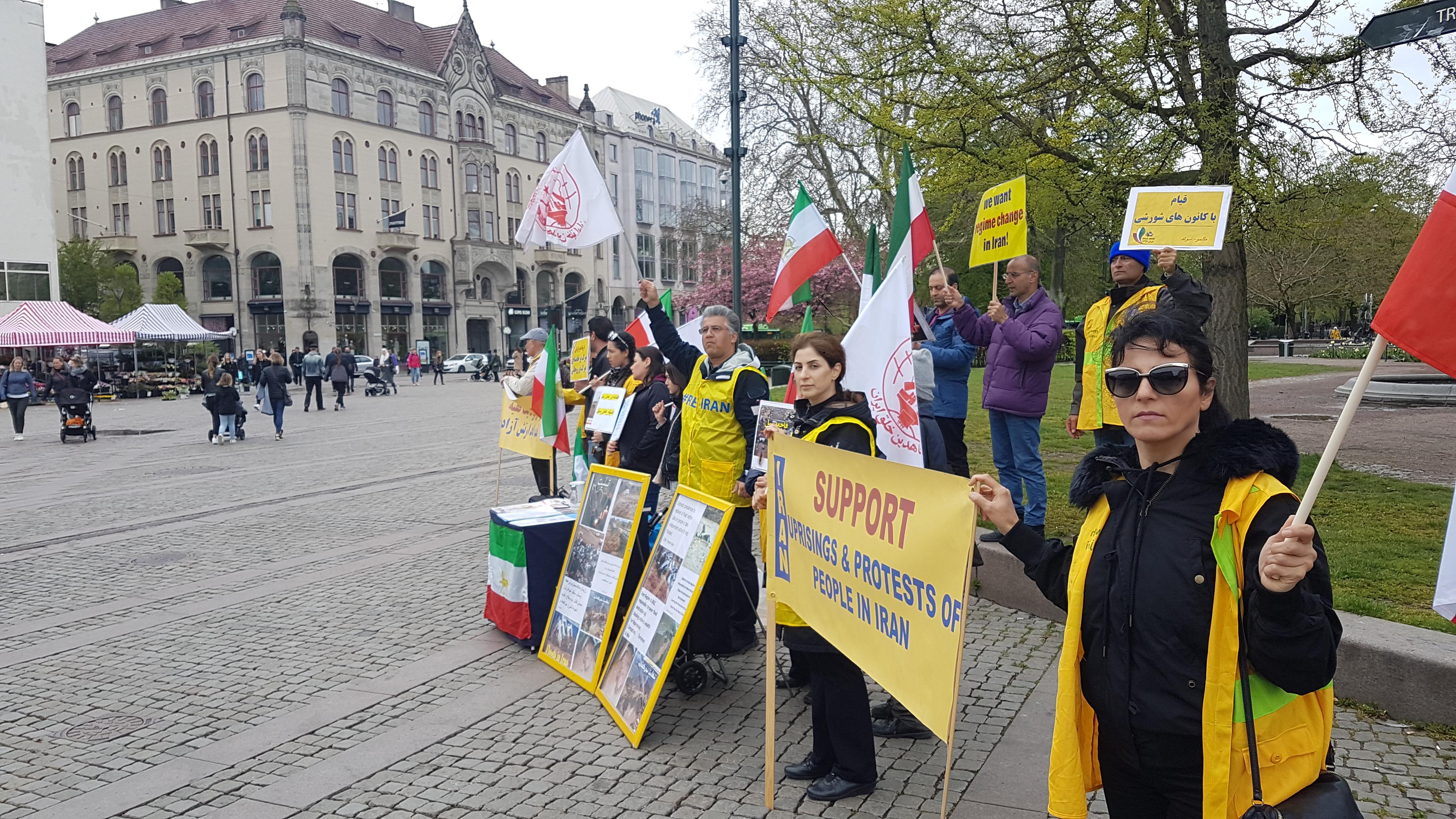 Stödaktion i Malmö för folkliga protester i Iran, den 27 april.